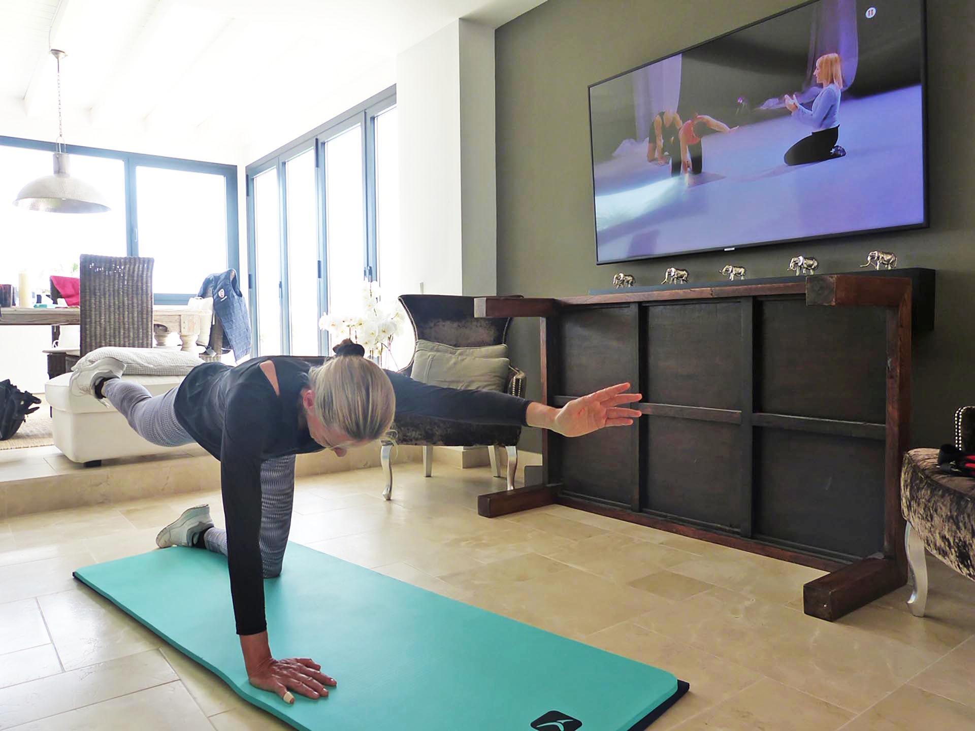 keeping-fit-at-home-quarantine-covid19-sotogrande-2020-3