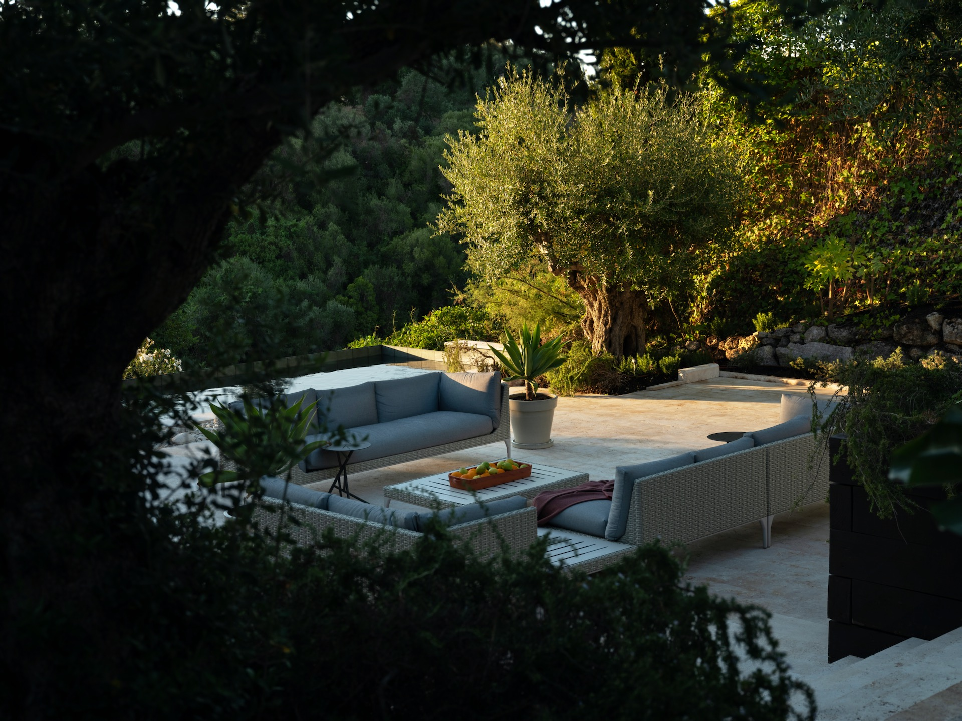 Space-Privacy-Outdoor living
